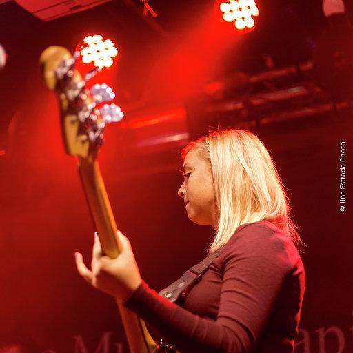 Silverbacks bass player, Emma.