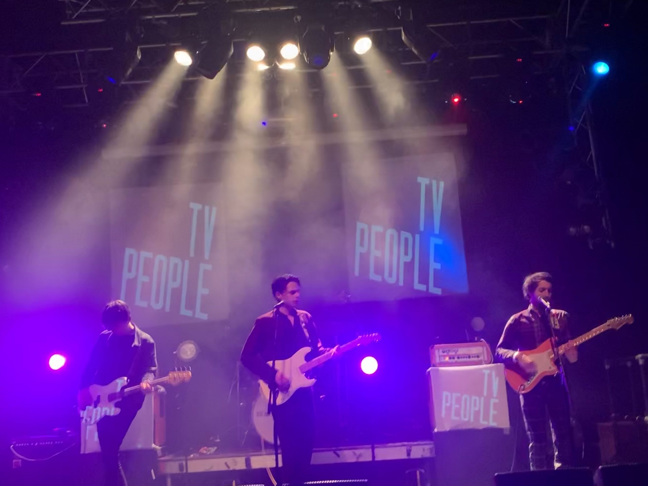 TV People opening up Tilt #5 @ The Button Factory.